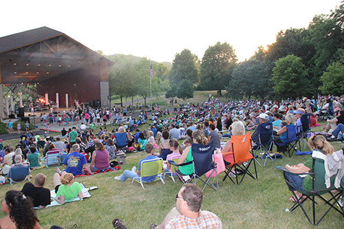 normandale lake bandshell